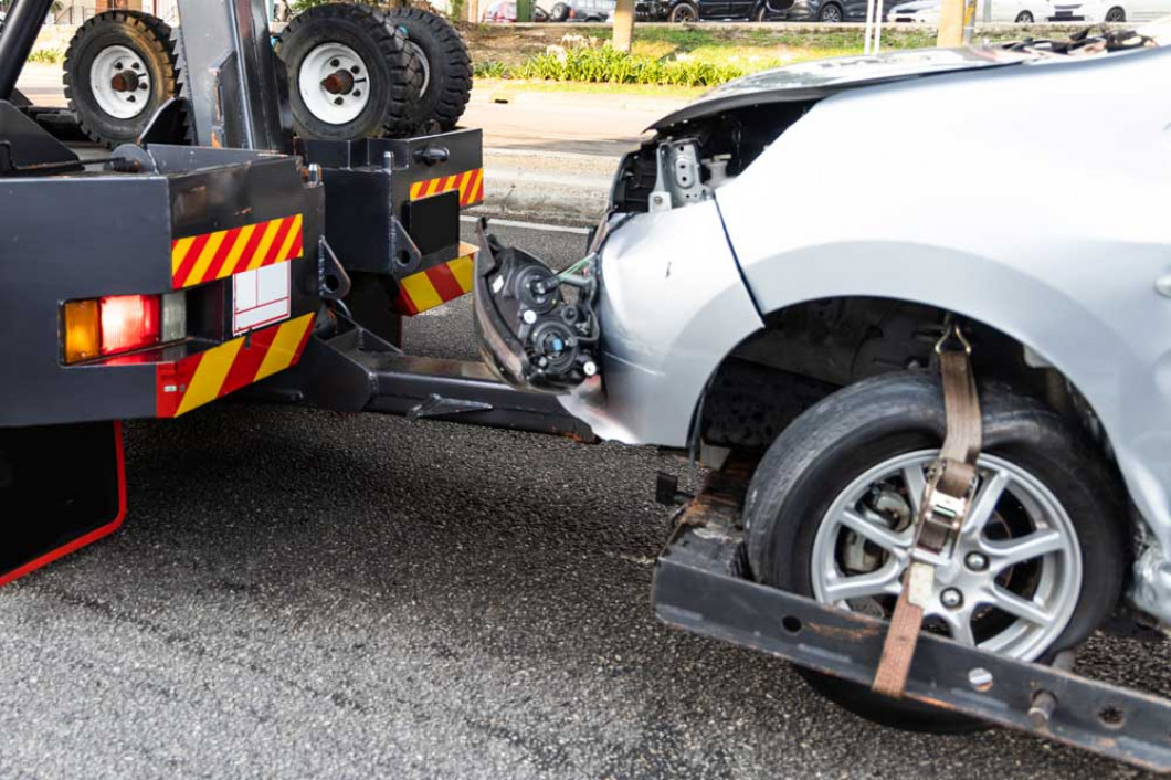 Call a Towing Service After Your Accident in Texarkana, TX
